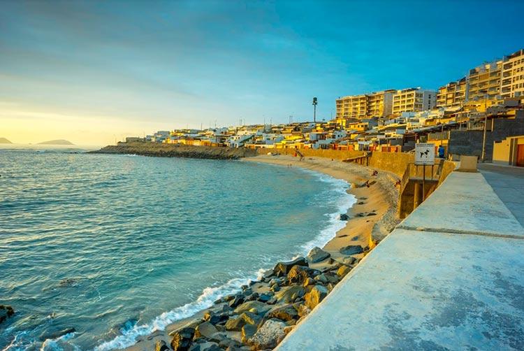 lima beaches senoritas