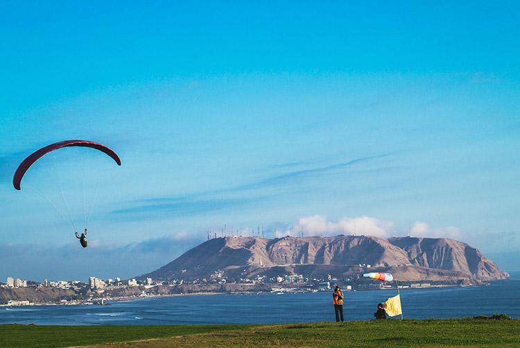 lima city tour paragliding